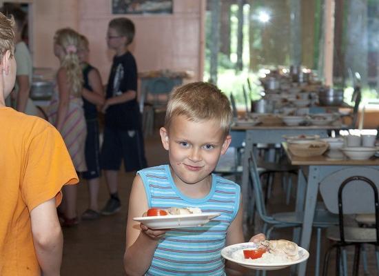Часть нижегородских школьников снимут сльготного питания