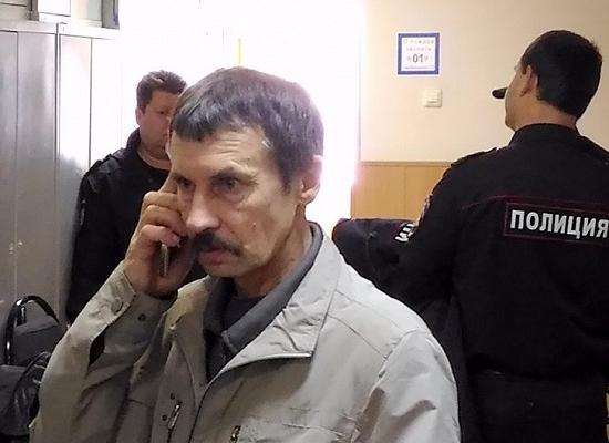 Легковушка протаранила гараж вНижнем Новгороде: 2 человека погибли